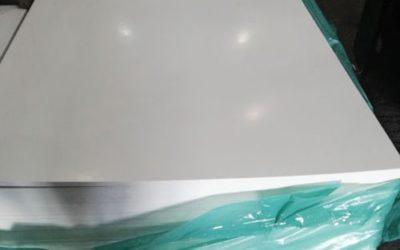 Листы из пластика для хоккейных бортов